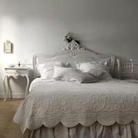 Grijze slaapkamer ontwerpen.